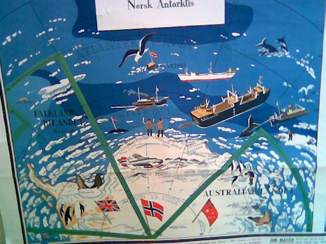 Norsk sektor av Antarktis! Legg merke til at den norske sektoren ikke har noen nordlig grense. Et symbol på vår polarimperialistiske ånd?