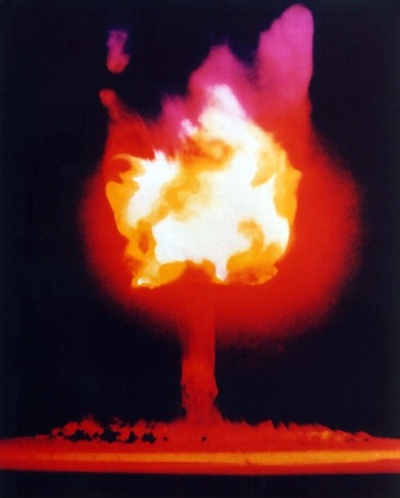 Tulip formed mushroom cloud :: This one was photographed during Operation Ranger in 1951 (January-February)